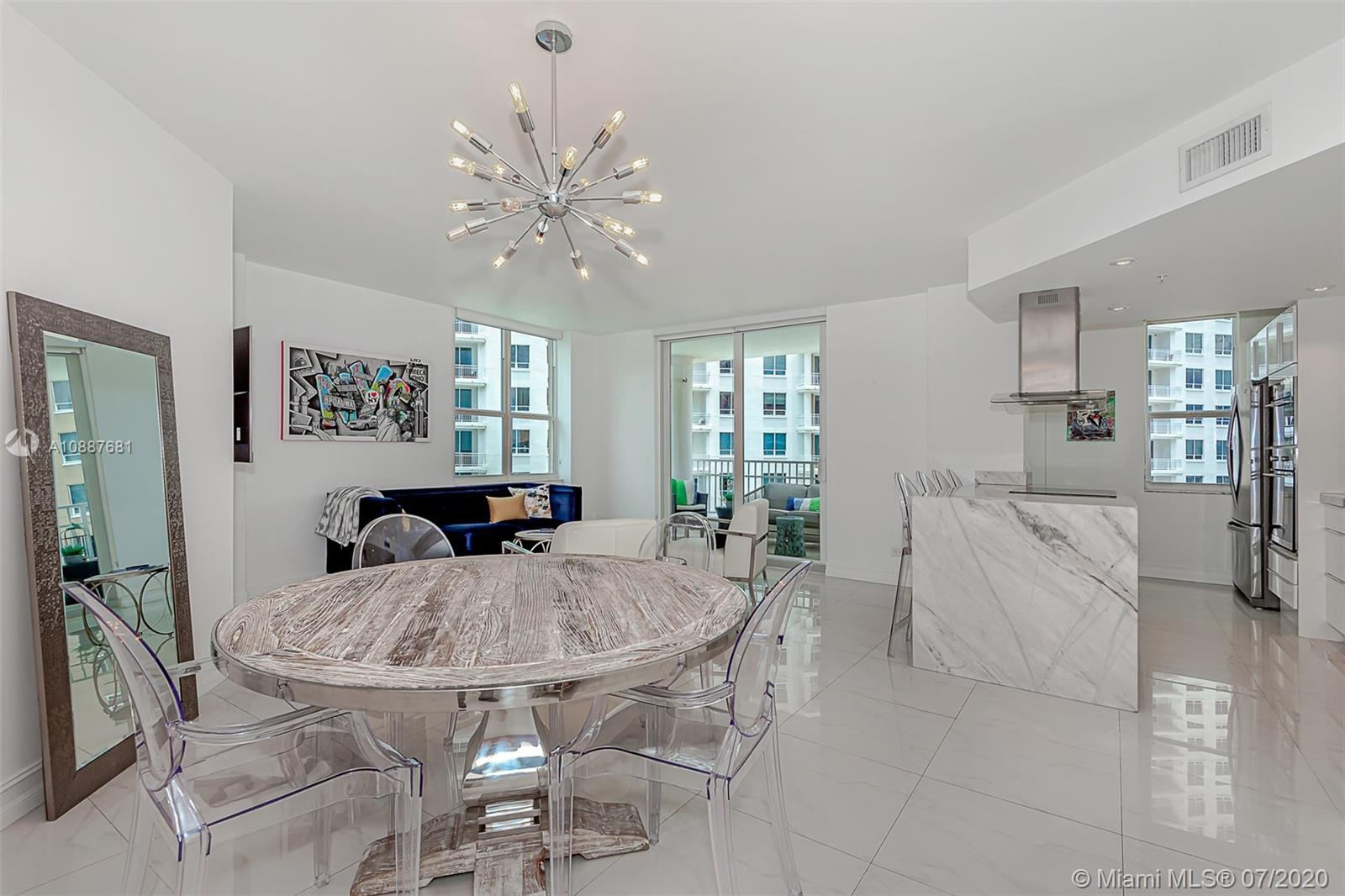 701 Brickell Key Blvd #1704 photo02