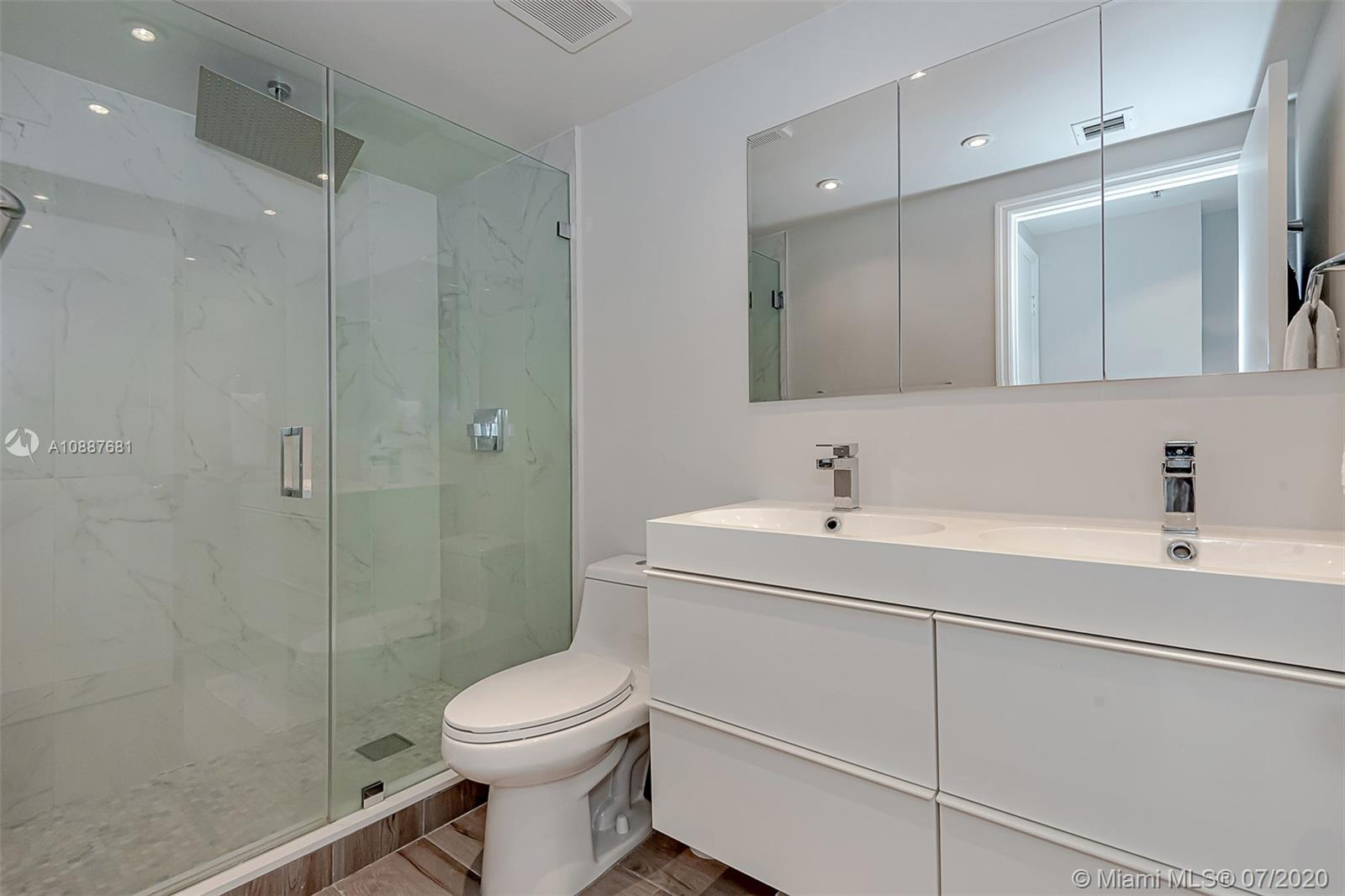 701 Brickell Key Blvd #1704 photo019
