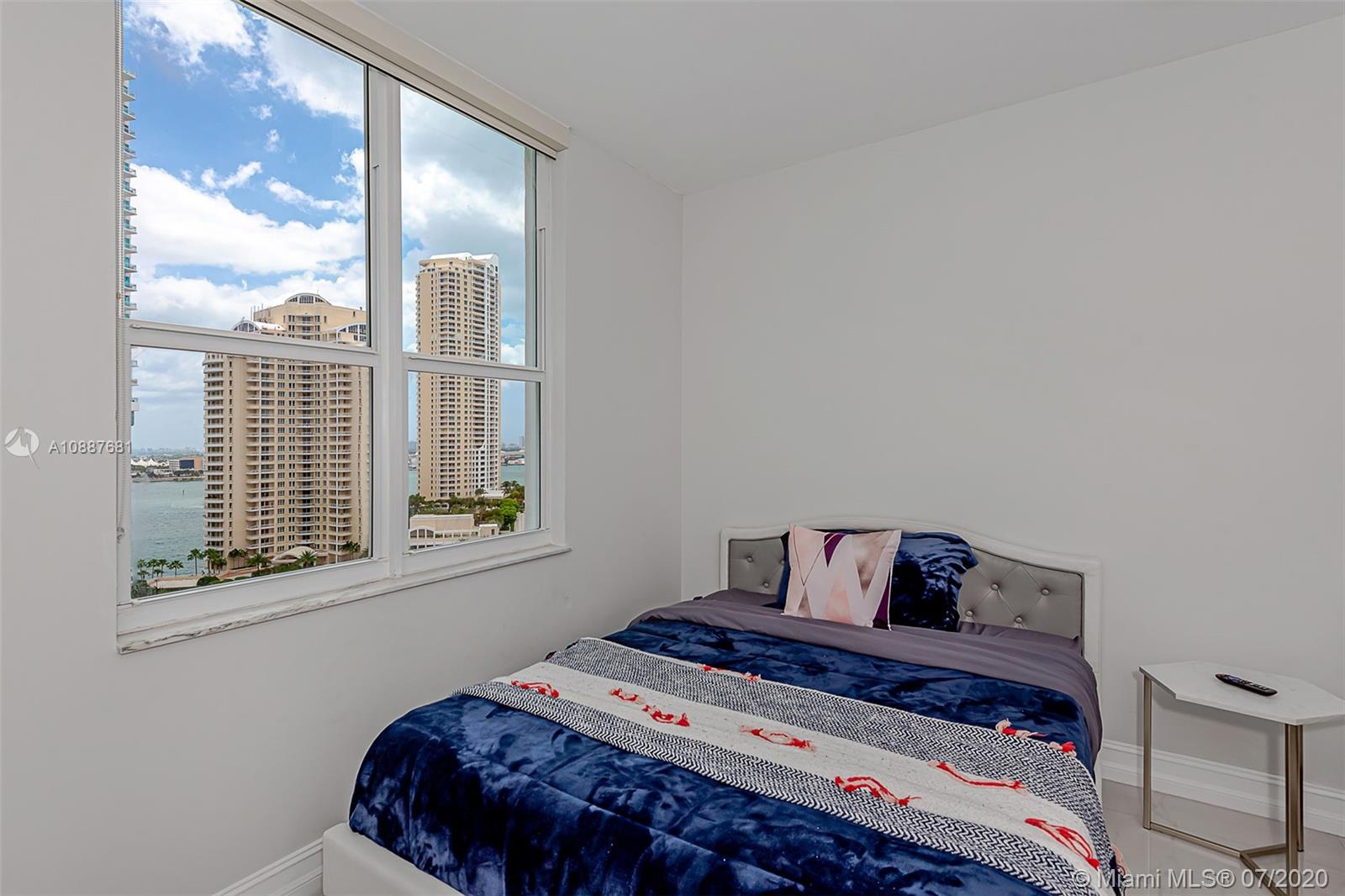 701 Brickell Key Blvd #1704 photo021