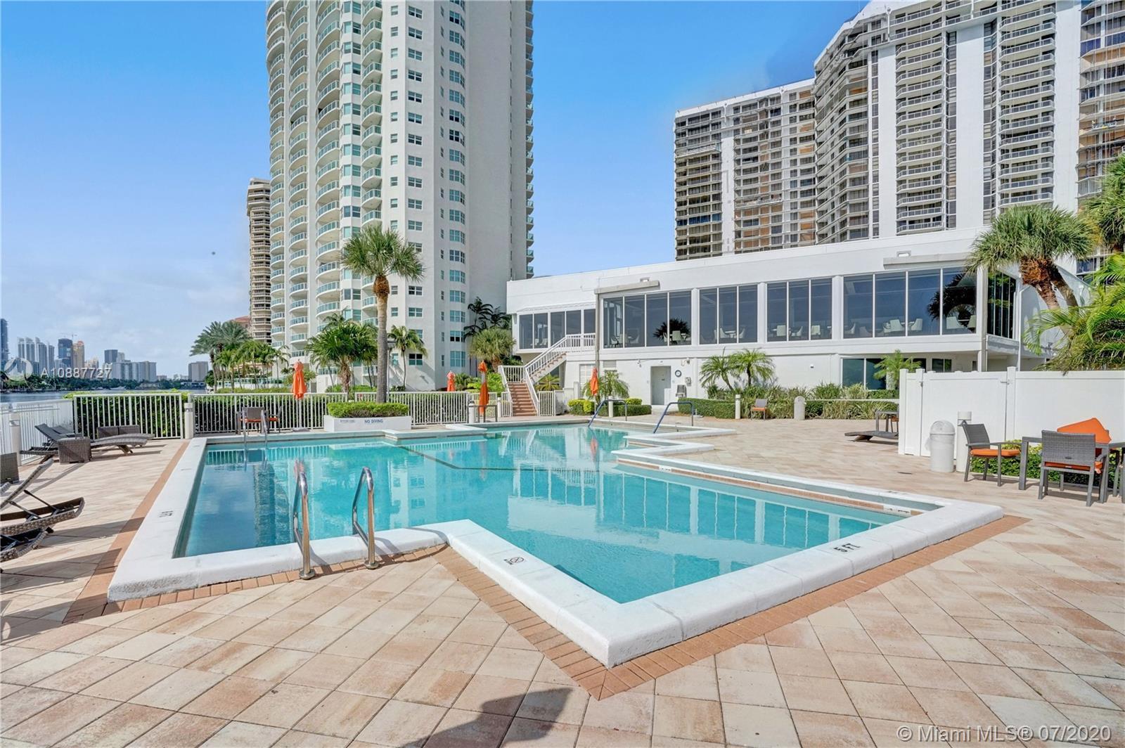 Hamptons West #812 - 20281 E Country Club Dr #812, Aventura, FL 33180