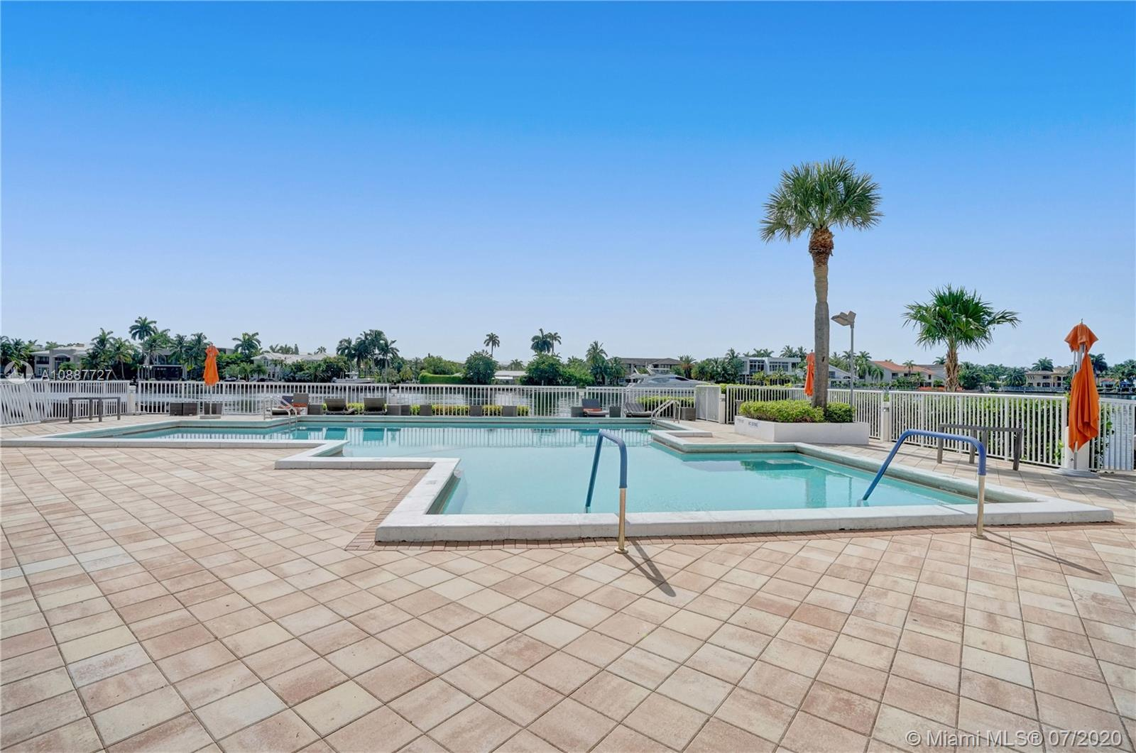 Photo of 20281 E Country Club Dr #812 listing for Sale