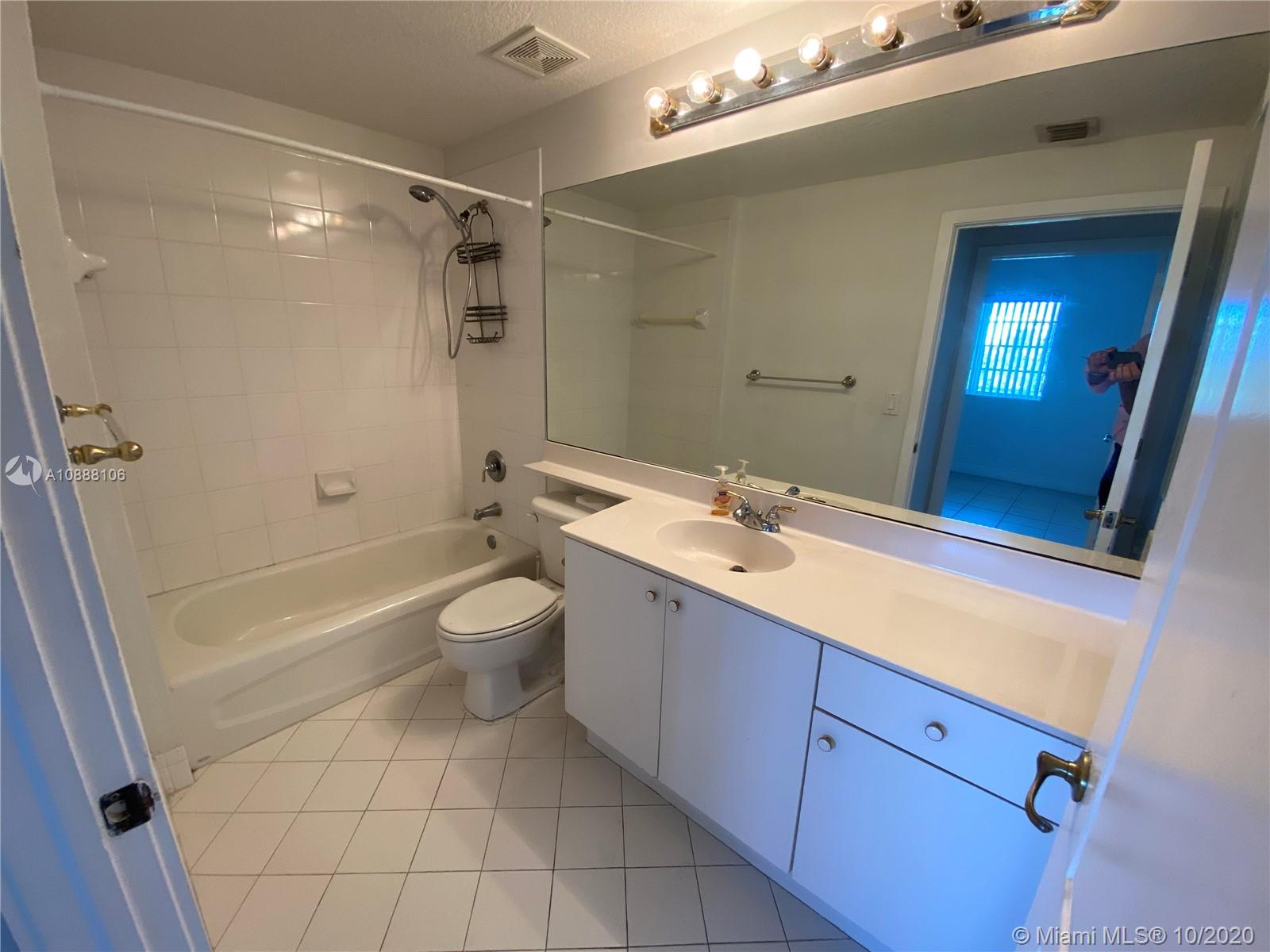 10710 NW 66th St #310 photo015
