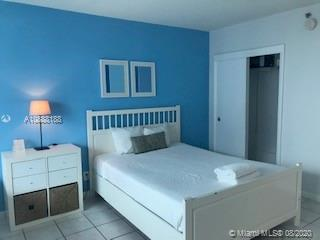 5445 Collins Ave #1718 photo05