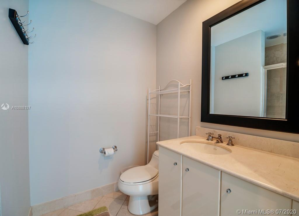 100 S Pointe Dr #509 photo013