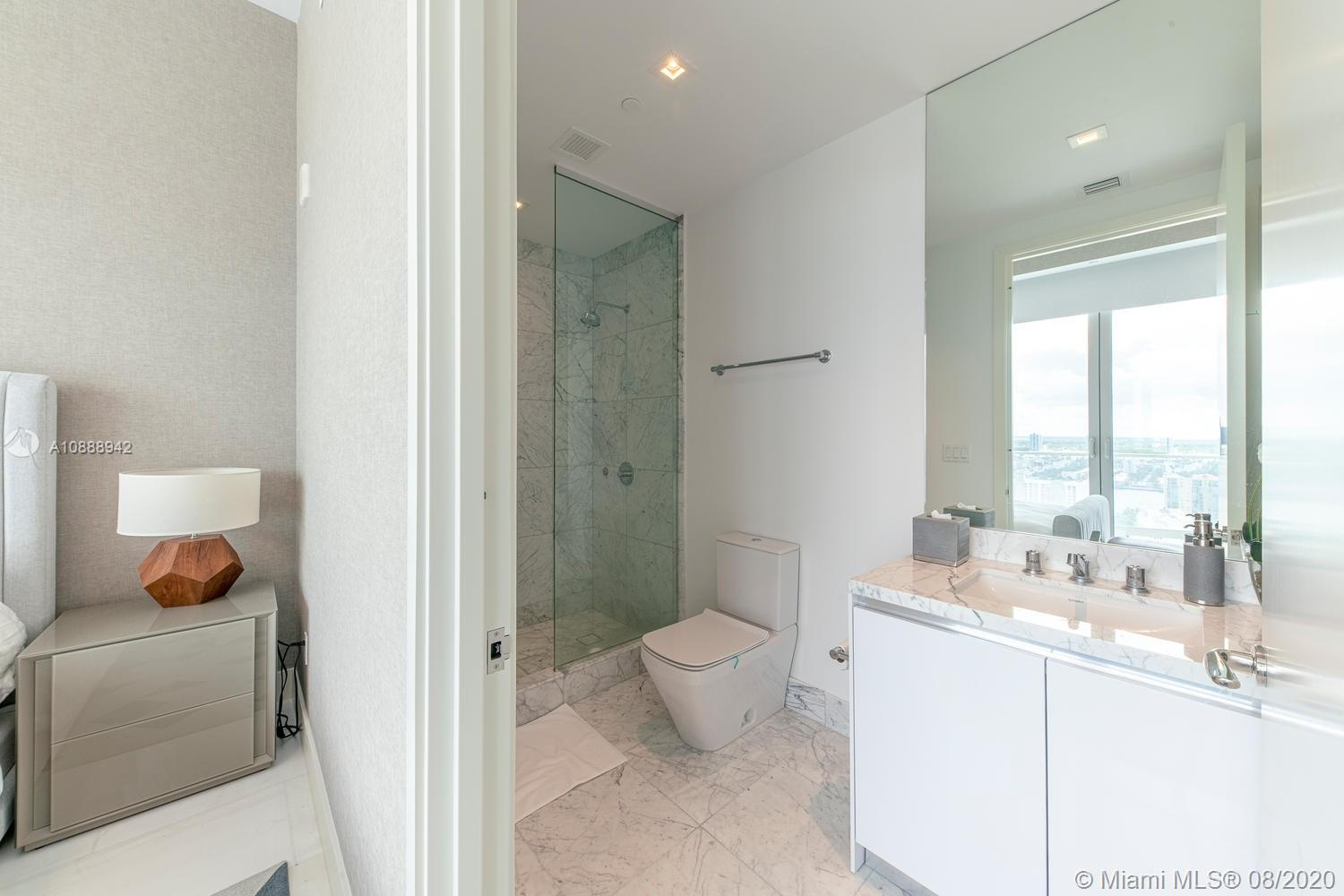 16901 Collins Ave #2503 photo020