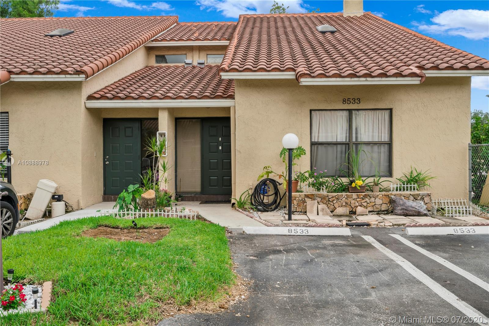 Property for sale at 8533 Shadow Ct Unit: 6-13, Coral Springs,  Florida 33071