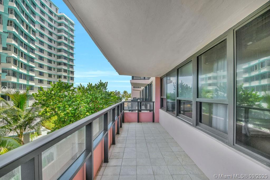 5225 Collins Ave #418 photo02