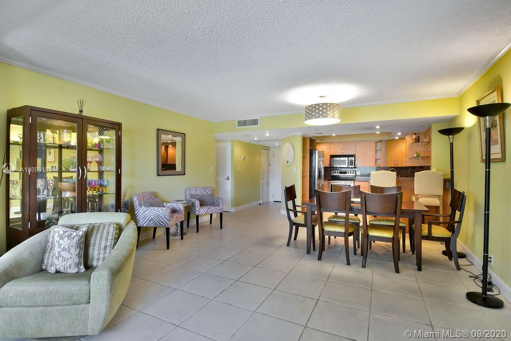5225 Collins Ave #418 photo026