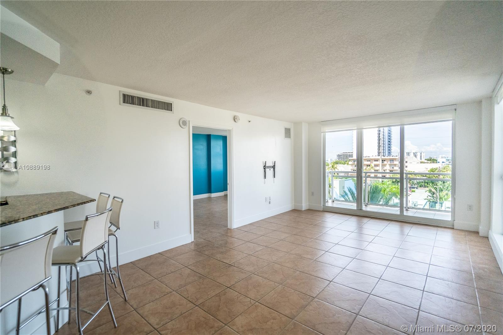 6917 Collins Ave #620 photo06