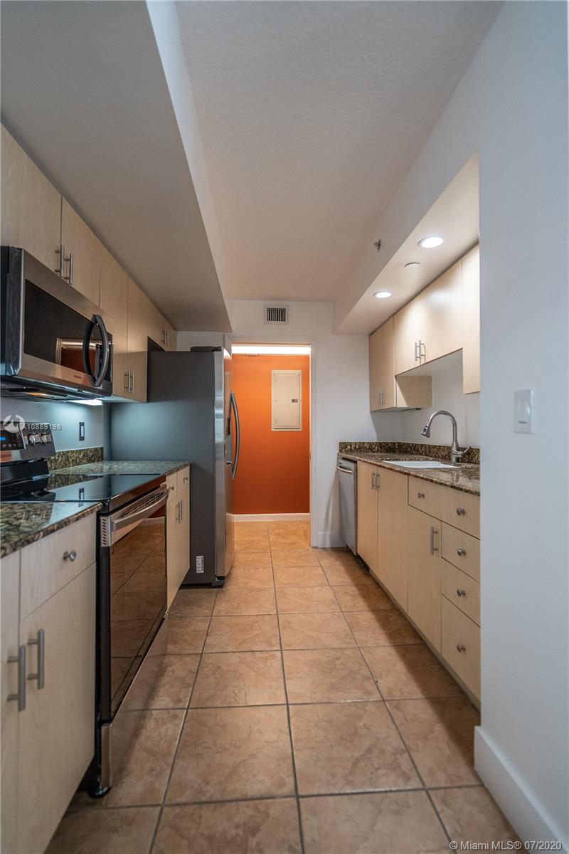 6917 Collins Ave #620 photo08