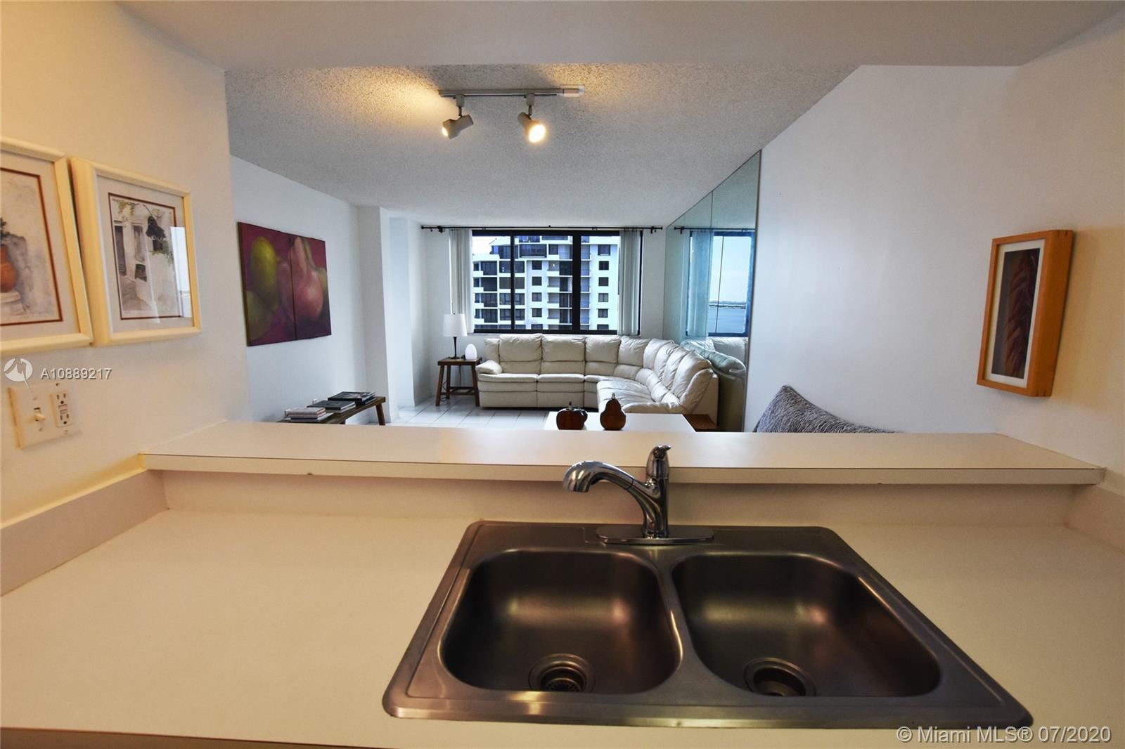 540 Brickell Key Dr #1025 photo053