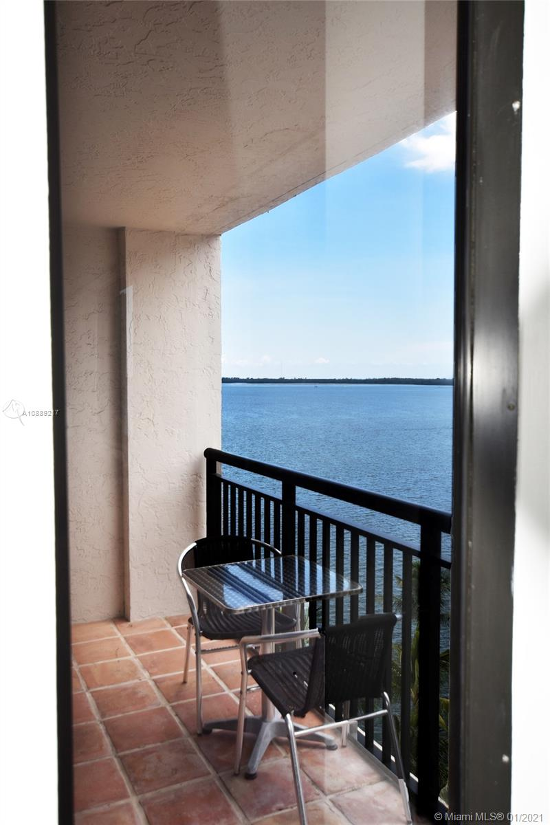 540 Brickell Key Dr #1025 photo09