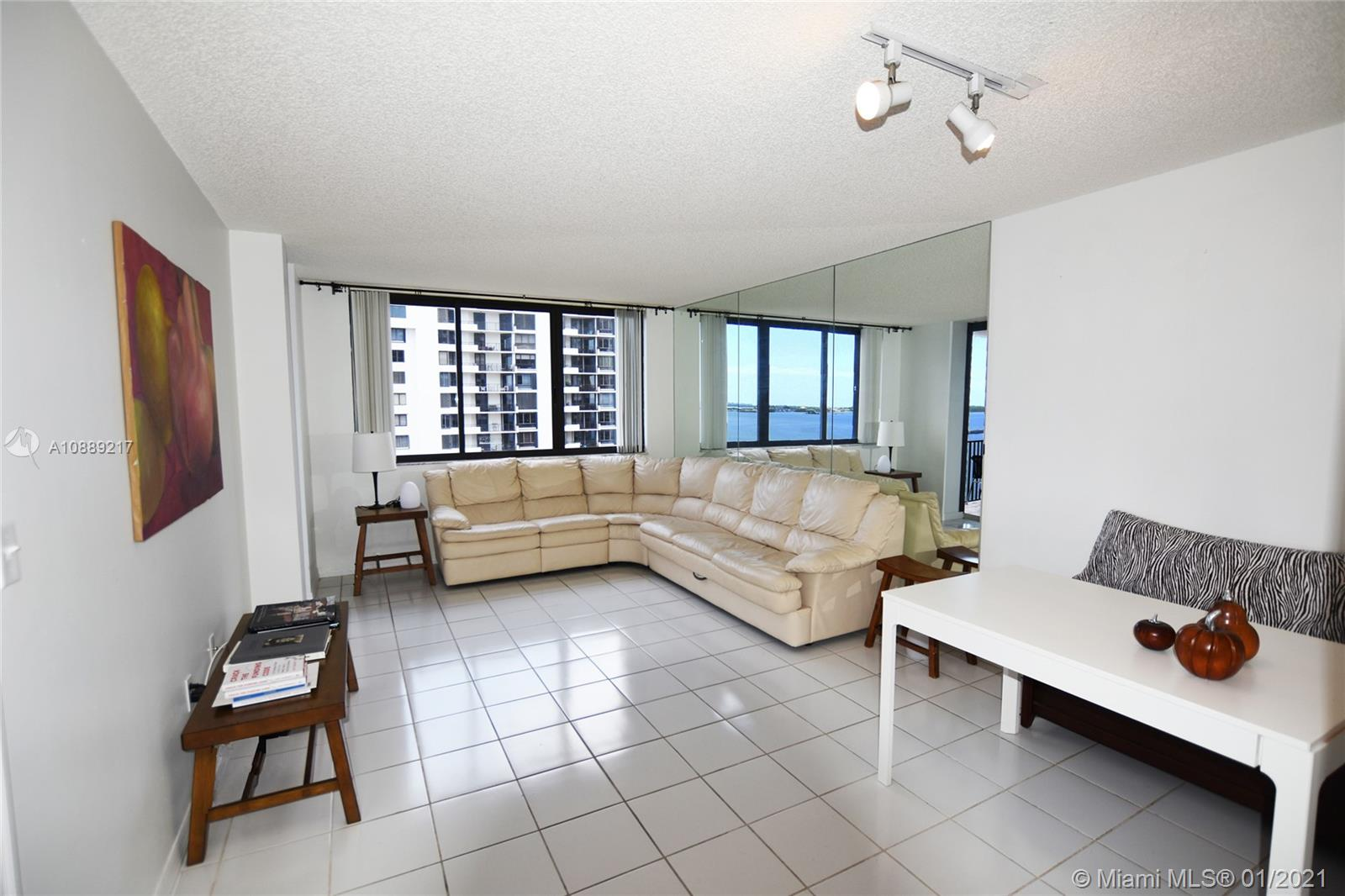 540 Brickell Key Dr #1025 photo010