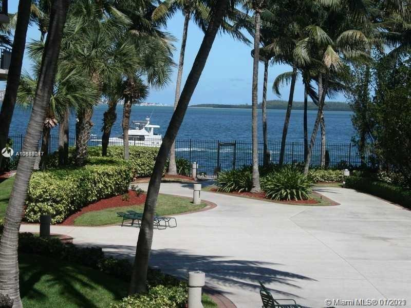 540 Brickell Key Dr #1025 photo033