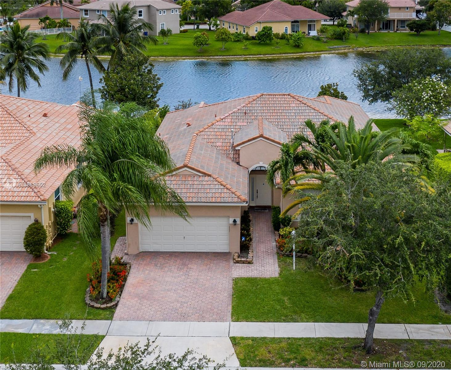 Property for sale at 1052 NW 139th Ter, Pembroke Pines,  Florida 33028