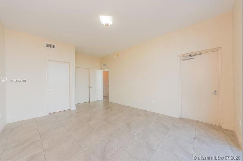 Photo of 2020 N Bayshore Dr #1107 listing for Sale