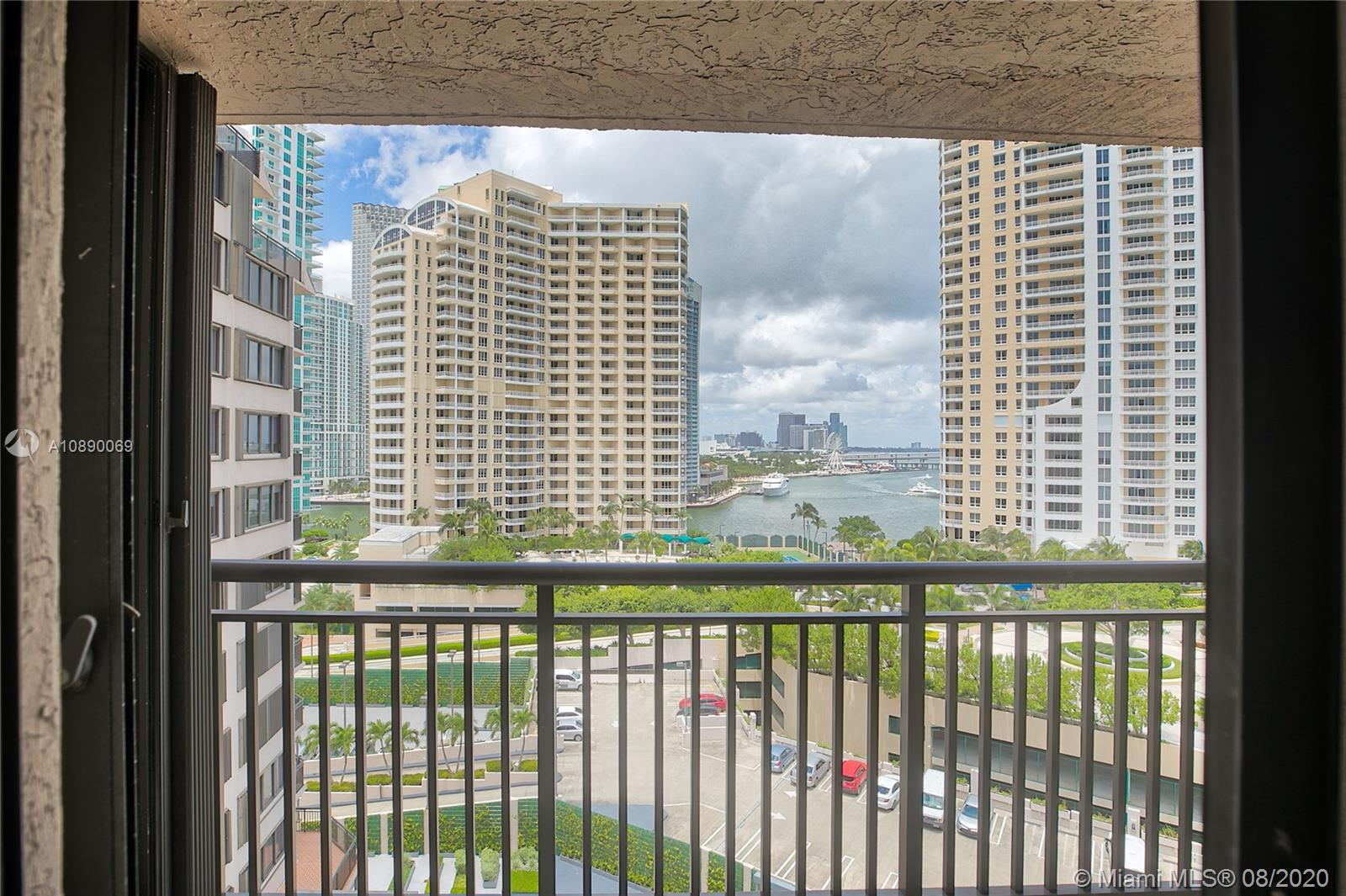 540 Brickell Key Dr #1402 photo017
