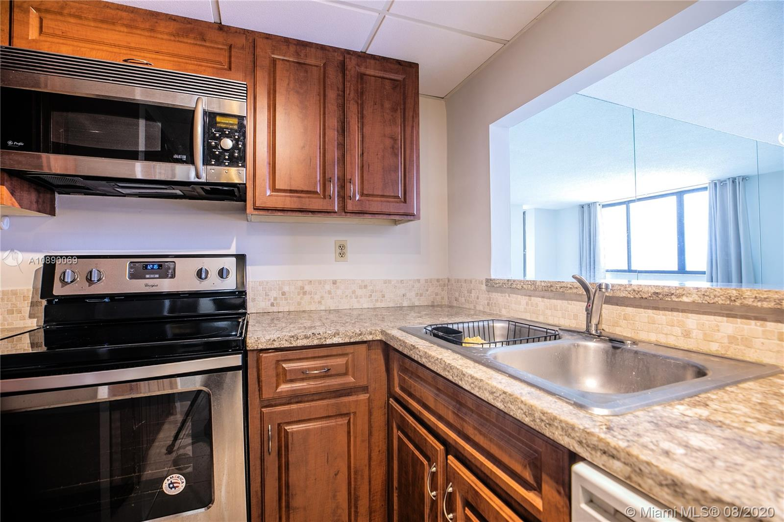 540 Brickell Key Dr #1402 photo07