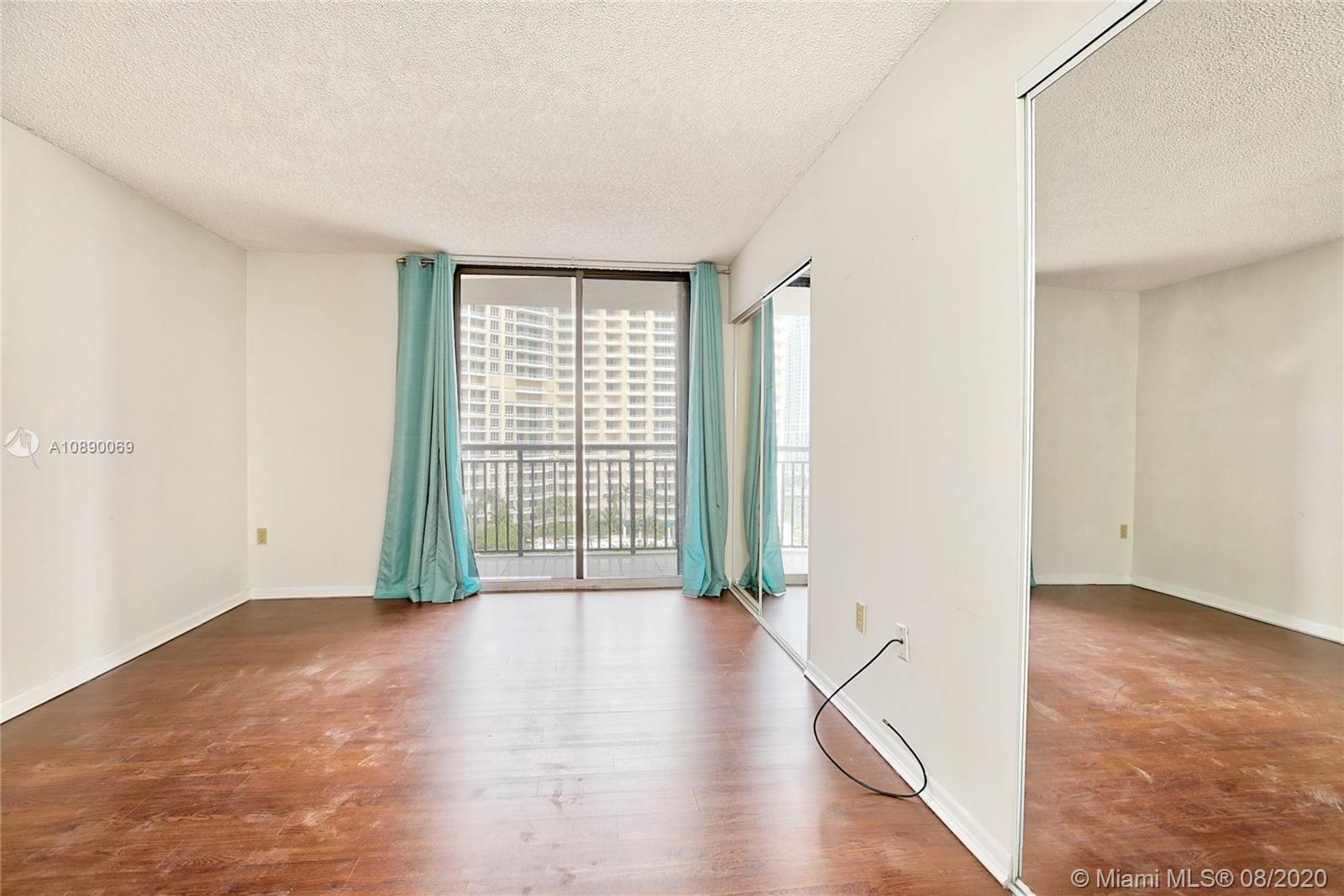 540 Brickell Key Dr #1402 photo014