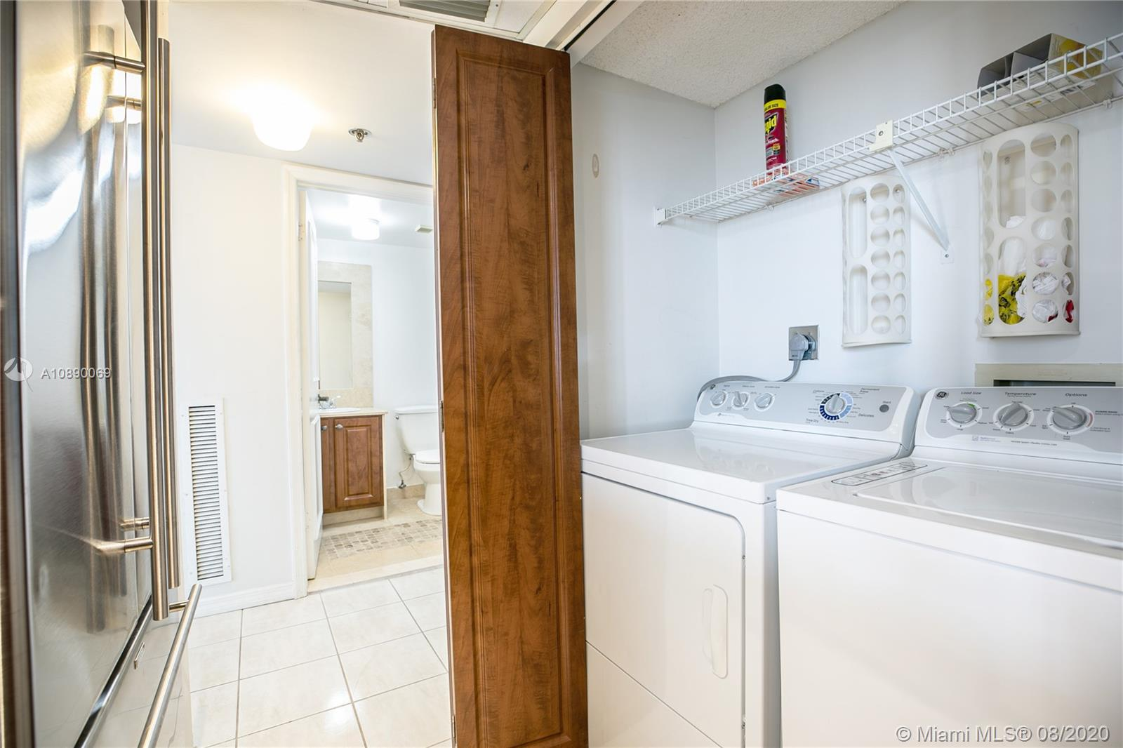 540 Brickell Key Dr #1402 photo08
