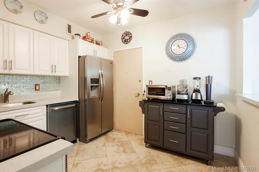 5700 Collins Ave #16C photo03