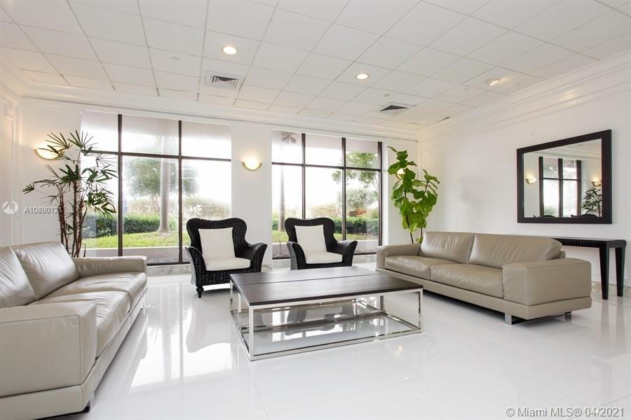 5700 Collins Ave #16C photo09