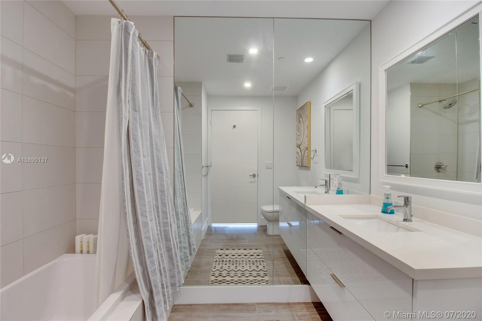 Photo of 2900 NE 7th Ave #4207 listing for Sale