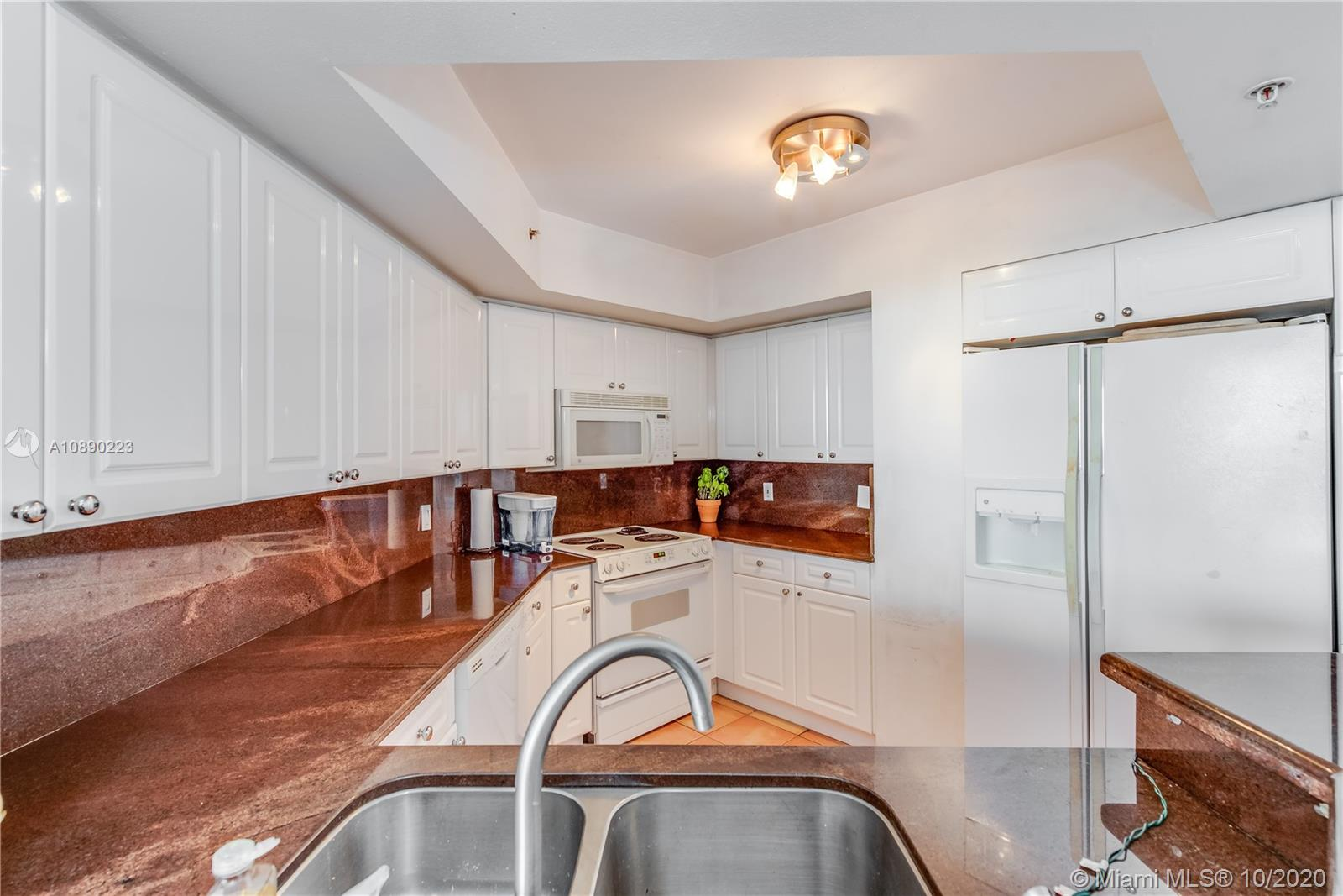 Photo of 1800 Sunset Harbour Dr #1903 listing for Sale