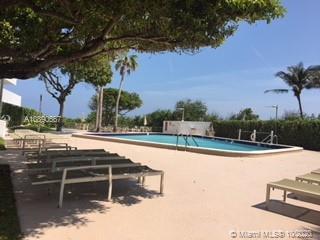 Commodore Club East #1211 - 177 Ocean Lane Dr #1211, Key Biscayne, FL 33149
