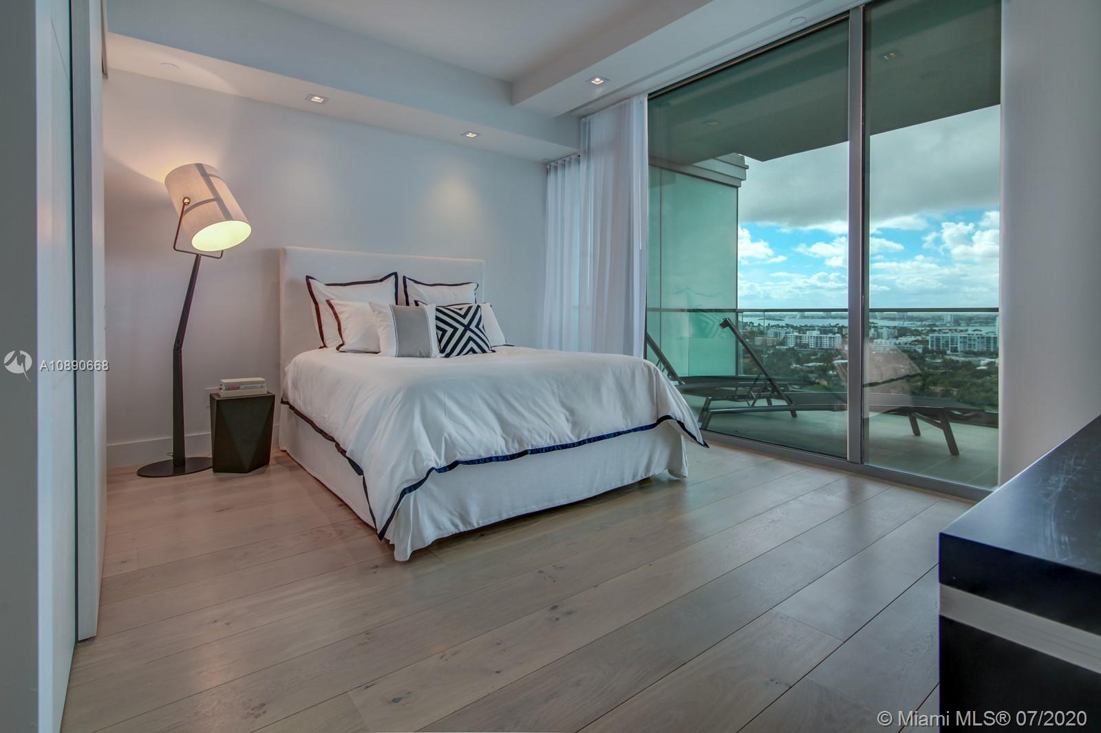 10201 Collins Ave #1807 photo012