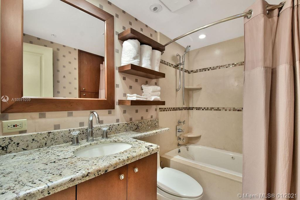 5225 Collins Ave #721 photo023