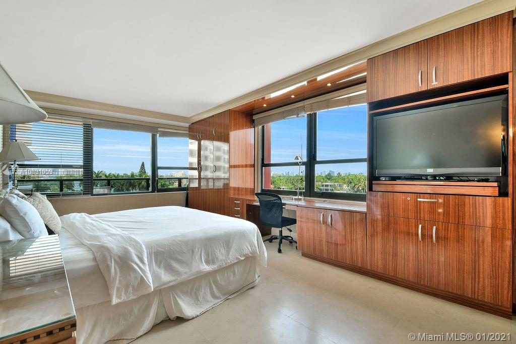 5225 Collins Ave #721 photo020