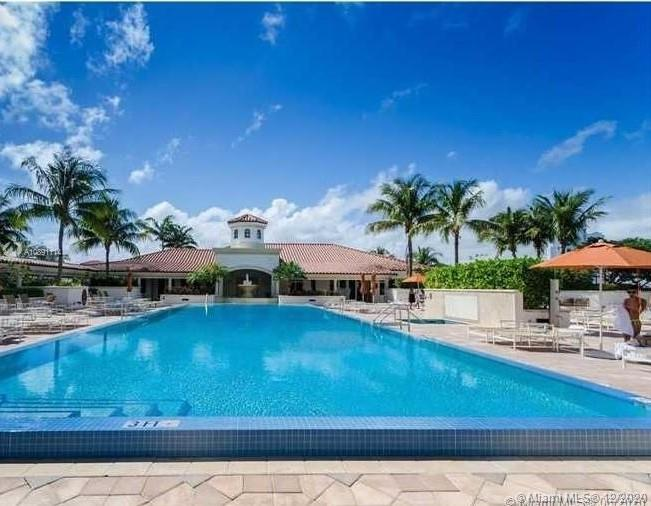 Photo of 19900 E Country Club Dr #318 listing for Sale