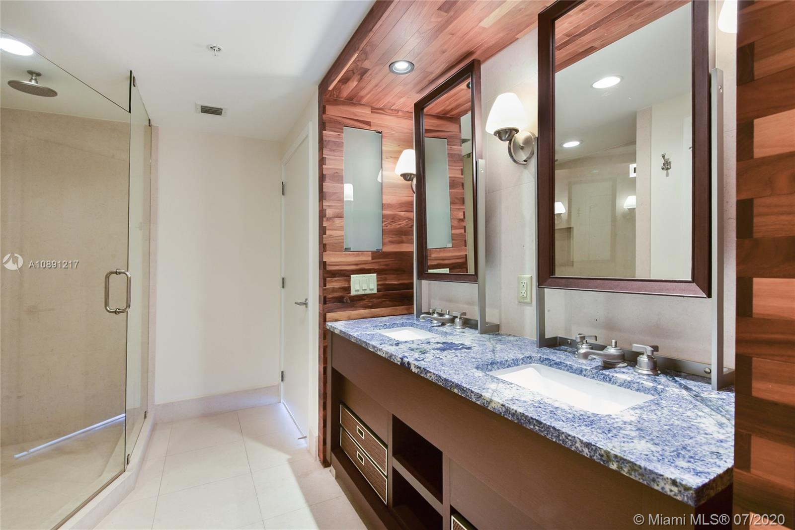 6899 Collins Ave #709 photo08