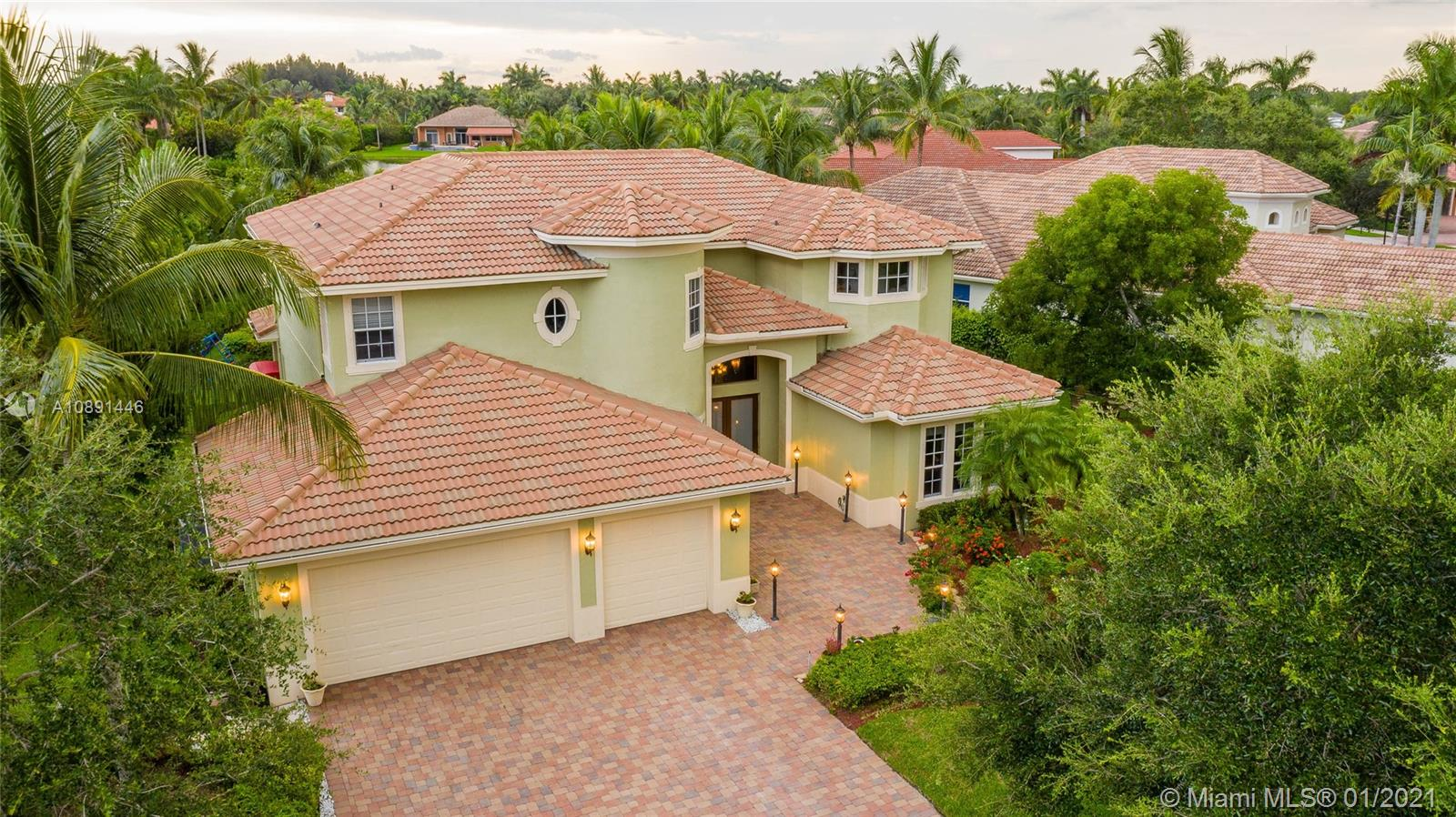 Kapok Grove Estates - 2801 E Stonebrook Cir, Davie, FL 33330