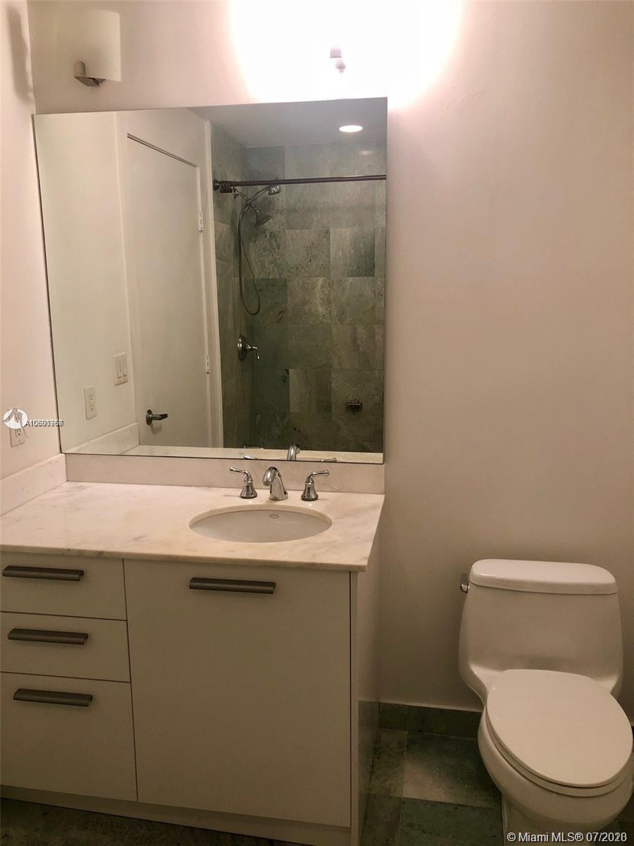 1050 Brickell Ave #2216 photo04