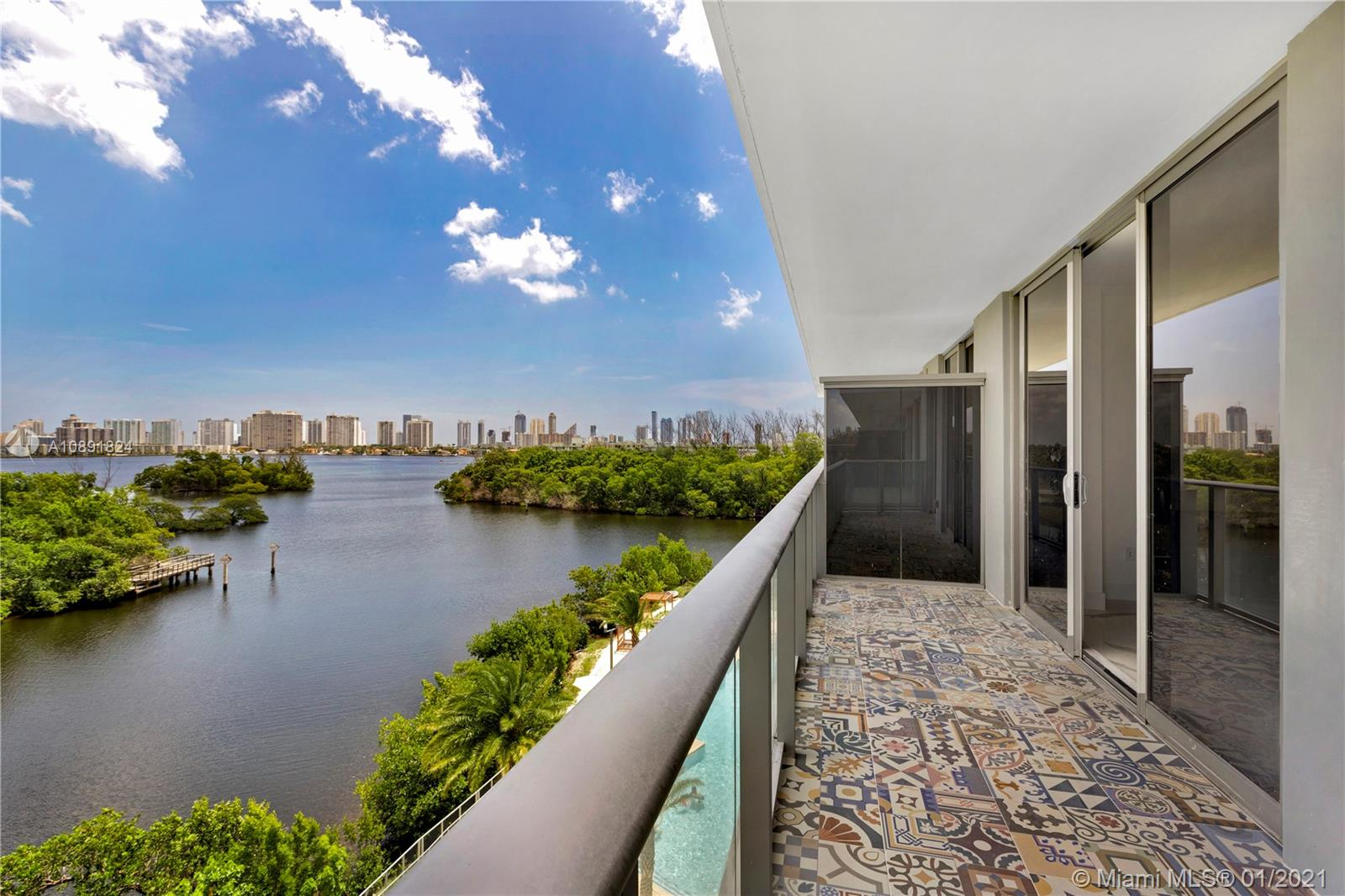 16385 Biscayne Blvd #805 photo02