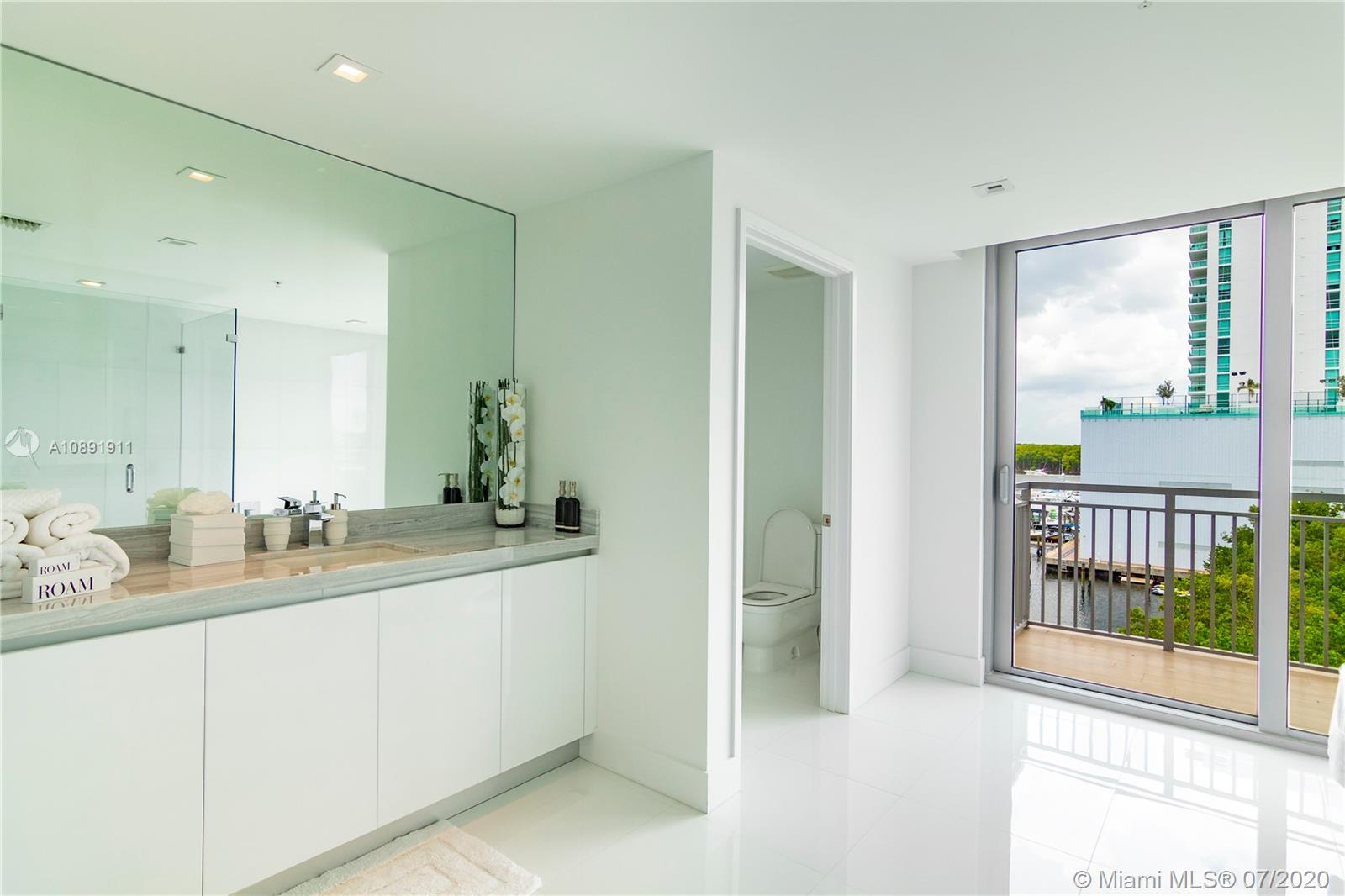Photo of 330 Sunny Isles Blvd #5-2507 listing for Sale