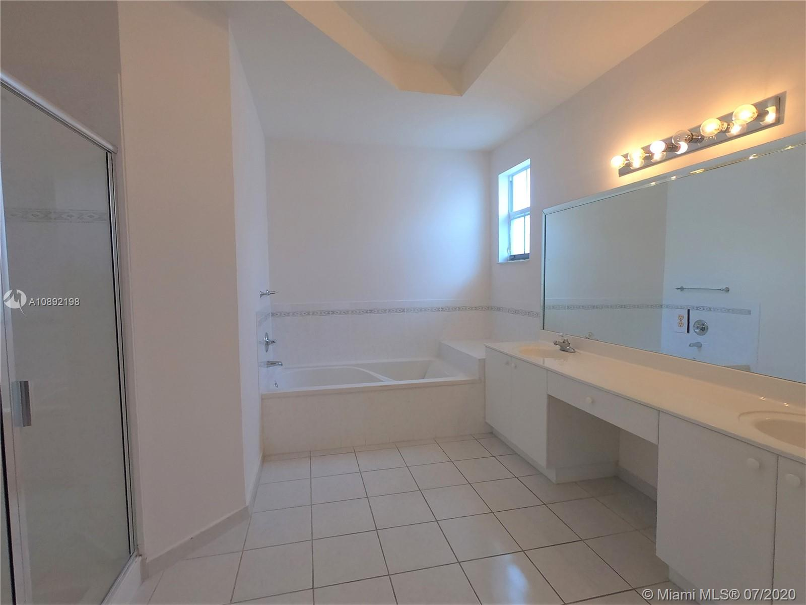 8224 NW 115th Ct photo017