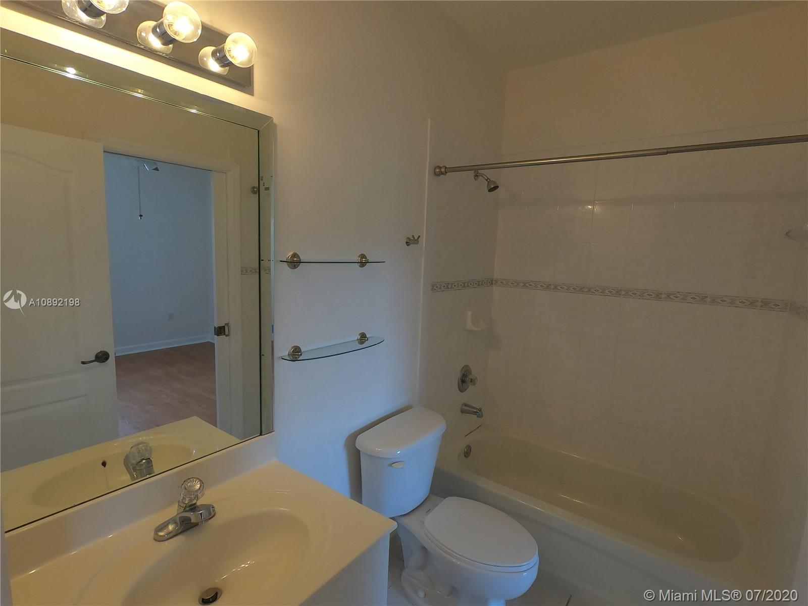 8224 NW 115th Ct photo022