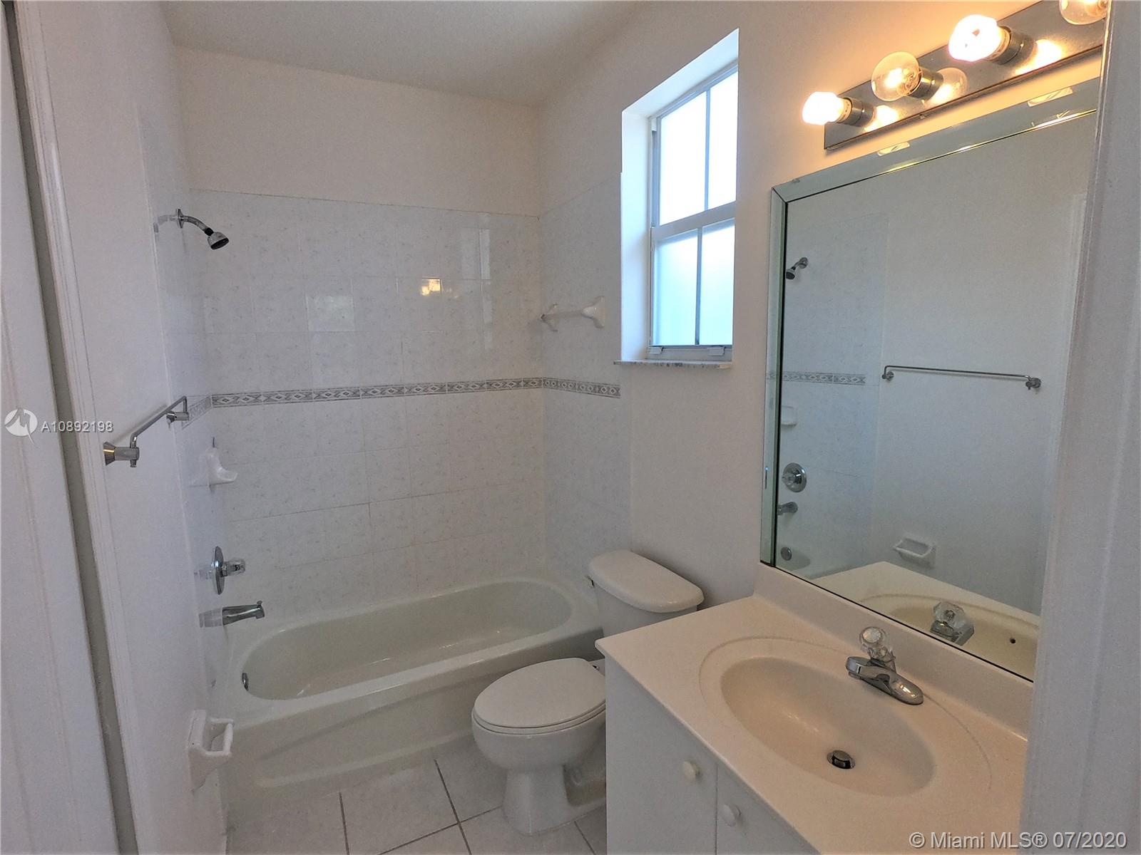 8224 NW 115th Ct photo014
