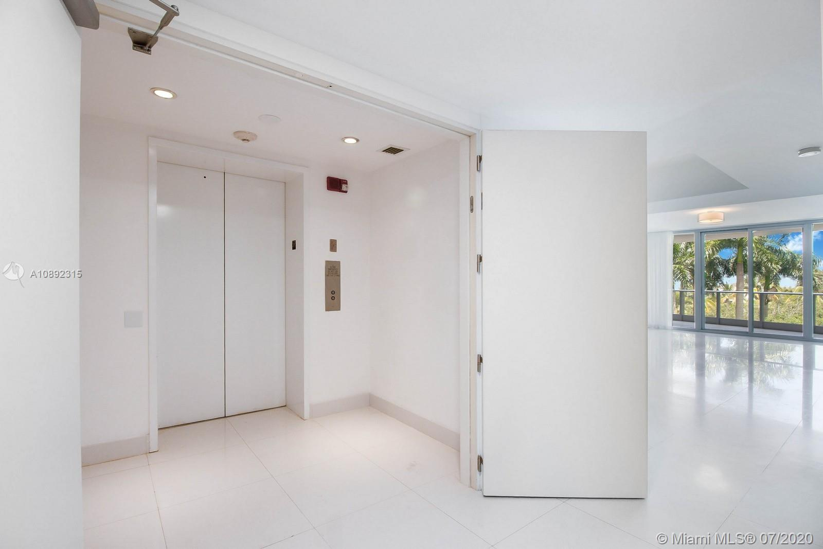 Photo of 2627 S Bayshore Dr #506 listing for Sale