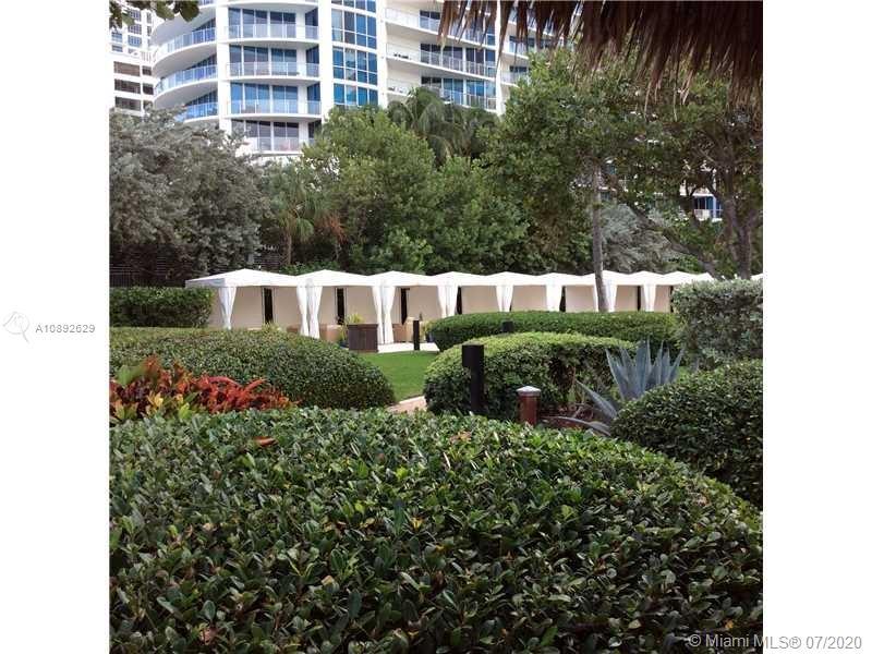 Residences on Hollywood #1009 photo22
