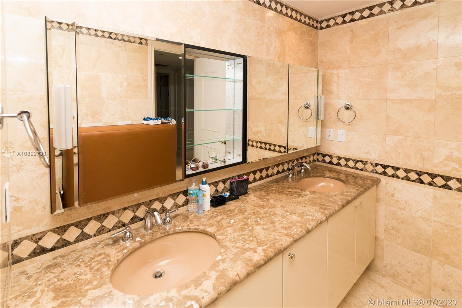 10225 Collins Ave #804 photo023