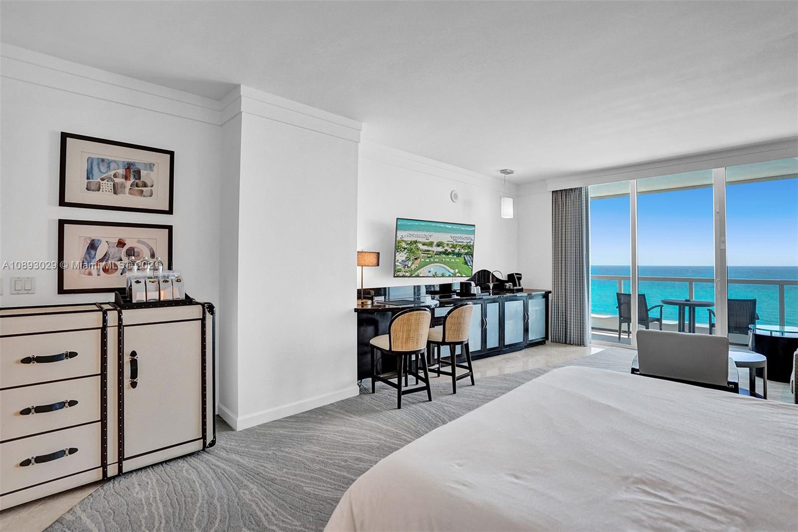 Fontainebleau Sorrento #1411 - 4391 COLLINS AVE #1411, Miami Beach, FL 33140