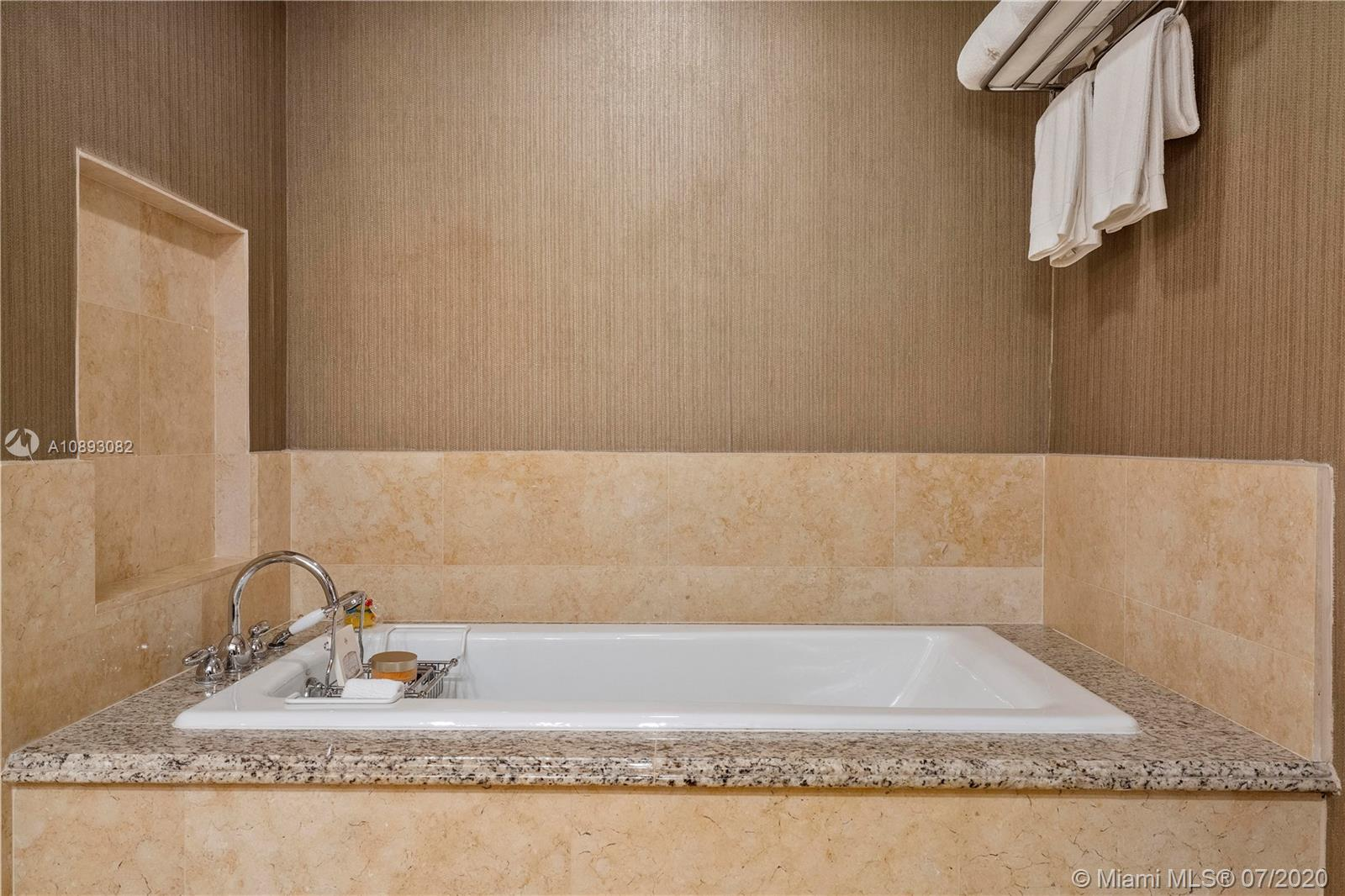 17875 Collins Ave #2109 photo015