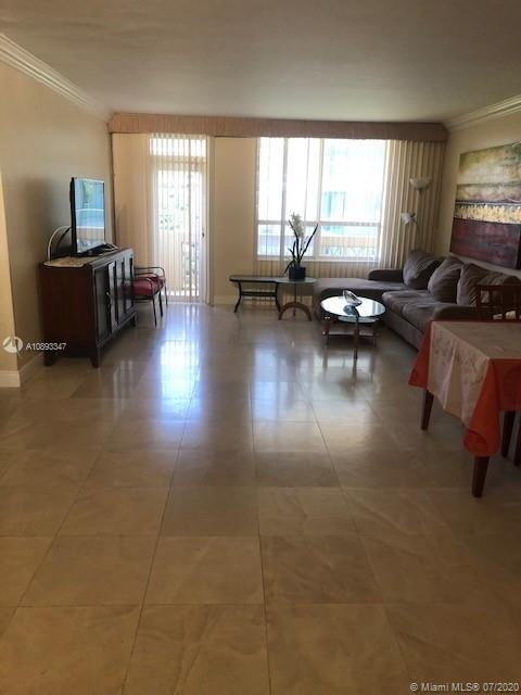 10185 Collins Ave #423 photo03