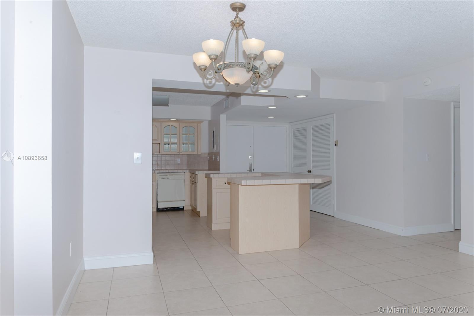 6423 Collins Ave #209 photo023