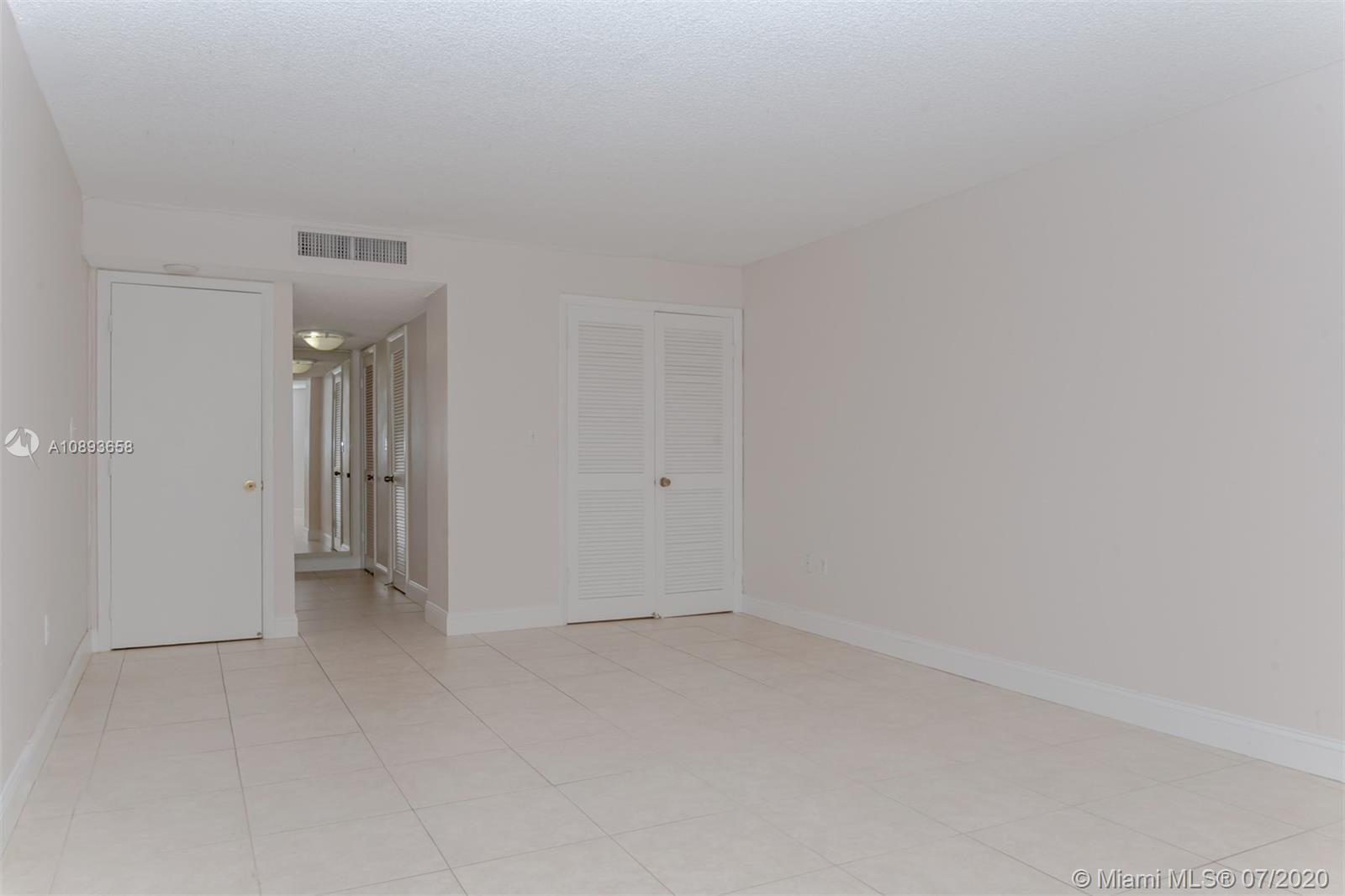 6423 Collins Ave #209 photo09