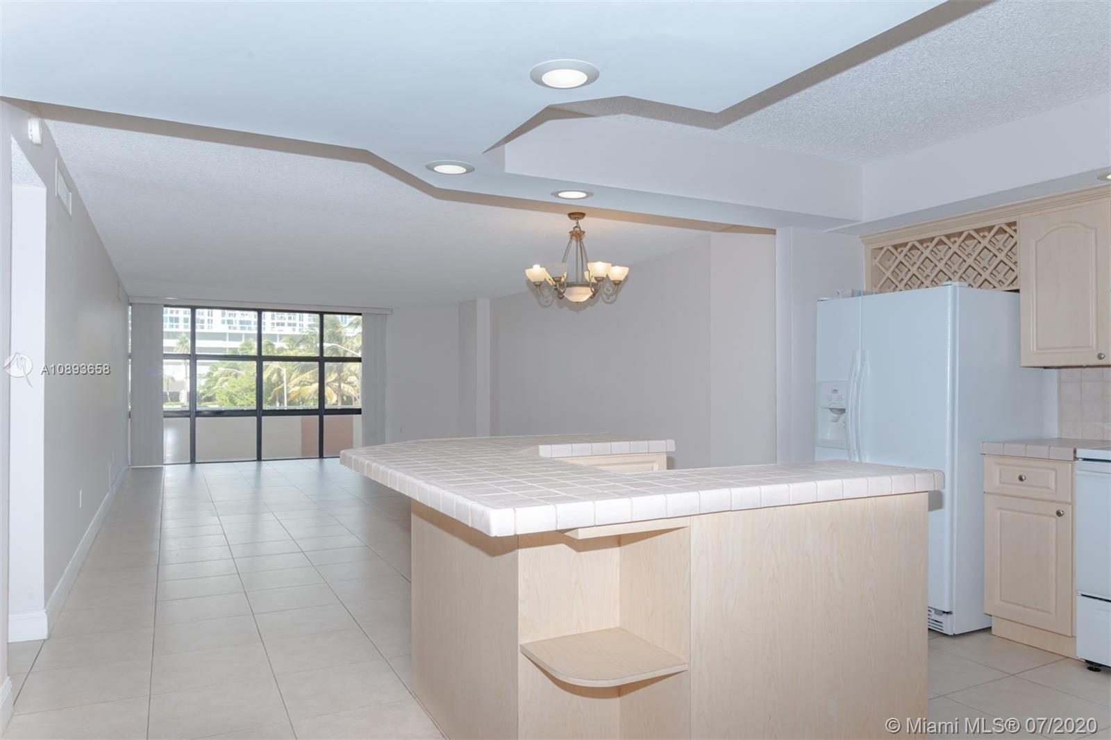 6423 Collins Ave #209 photo024